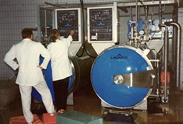 Keittolaitteiston käyntiinajo ja käyttööottokoulutusta; Faitech Oy:n ensimmäinen asennus.